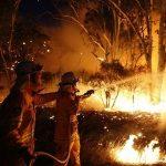 Υψηλές θερμοκρασίες δυσκολεύουν τις κατασβέσεις στην Αυστραλία
