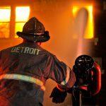Κύμα Εμπρησμού χτυπά το Ντιτρόιτ τη νύχτα