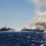 Πυρκαγιά σε σκάφος στον Πόρο – Ένας τραυματίας