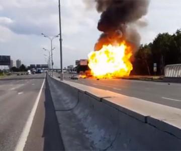 Έκρηξη δεξαμενών προπανίου σε αυτοκινητόδρομο
