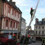 Γαλλία, πυροσβέστες δοκιμάζουν κλίμακα 15 μέτρων