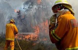 Εκτός ελέγχου οι πυρκαγιές στην Αυστραλία καίγονται σπίτια