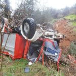 Ανατροπή πυροσβεστικού οχήματος στην περιφερειακή οδό με έναν τραυματία