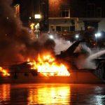 Πυροσβέστης γυναίκα δίνει ηρωική μάχη με τις φλόγες