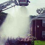 Τέσσερις πυροσβέστες χτυπήθηκαν από το ρεύμα σε Ice Bucket Challenge