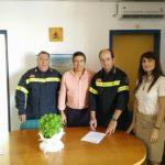 Ο δήμος παρέδωσε υδατοδεξαμενές χιλιάδων λίτρων στην Πυροσβεστική