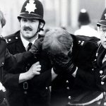 Η φυλετική φωτιά της κοινωνίας... από το Brixton το 1981 στο Φέργκιουσον το 2014