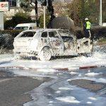 Πυρκαγιά σε αυτοκίνητο στη Γλυφάδα.