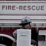 Όταν η πυροσβεστική σβήνει φωτιά στην παγωμένη Νέα Υόρκη