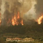 Υπό μερικό έλεγχο η πυρκαγιά στα Χανιά
