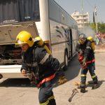 Ασκηση πυρόσβεσης και απεγκλωβισμου σε σχολικό λεωφορείο