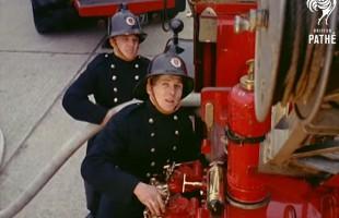 Πώς εκπαιδευόντουσαν οι πυροσβέστες το 1957