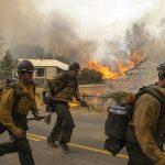 Σε κατάσταση έκτακτης ανάγκης η Ουάσινγκτον που βρίσκεται σε κλοιό πυρκαγιών