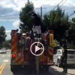 Καβγάς στην οροφή πυροσβεστικού οχήματος!
