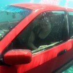 Τι κάνουμε αν το όχημα μας βυθιστεί στο νερό;