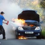 Τι κάνουμε αν το όχημα μας πάρει φωτιά;
