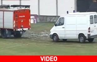 Aλβανία: ρυμούλκησαν ασθενοφόρο με πυροσβεστικό όχημα