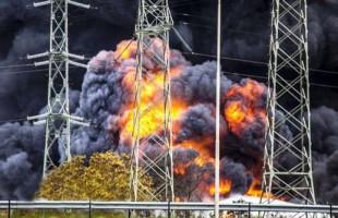 Πυρκαγιά «παρέλυσε» τη νότια Ολλανδία