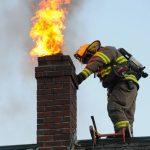 Συμβουλές για όσους χρησιμοποιούν τζάκια και την αποφυγή φωτιάς στην καμινάδα