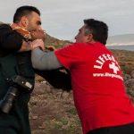 Καταγγελία Άρη Μεσσίνη για ξυλοδαρμό από ναυαγοσώστες