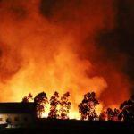 Μαίνονται περίπου 100 πυρκαγιές στην Ισπανία
