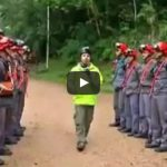 Σκληρή εκπαίδευση πυροσβεστών στην Βραζιλία