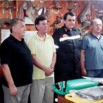 Τρίκαλα: Δωρεά εξοπλισμού διάσωσης από τους κυνηγούς στους πυροσβέστες