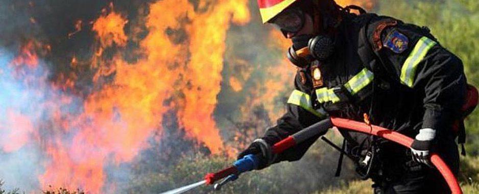 Ανοχύρωτοι στη μάχη με τις φλόγες, δηλώνουν οι πυροσβέστες