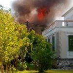 Λευκάδα: Δέκα παραδοσιακά σπίτια παραδόθηκαν στις φλόγες