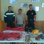 Δωρεά ορειβατικού εξοπλισμού στην Πυροσβεστική Υπηρεσία Ερμούπολης