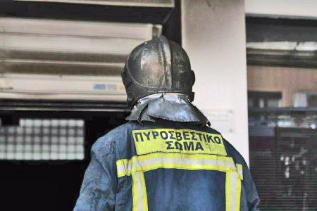 Δύο πυροσβέστες νεκροί σε Βοιωτία και Αθήνα