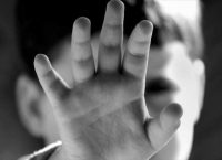 Δελτίο συμβουλών της ΕΛ.ΑΣ. για την προστασία των παιδιών από πράξεις ασέλγειας ή κακοποίησης