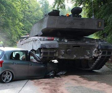 Απεγκλωβισμοί σε τροχαία που περιλαμβάνουν στρατιωτικά οχήματα και εξοπλισμό